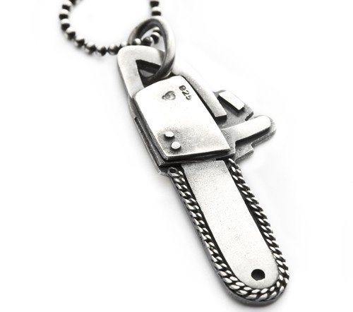 http://likecool.com/Style/Accessories/Chain%20Saw%20Pendant/Chain-Saw-Pendant.jpg